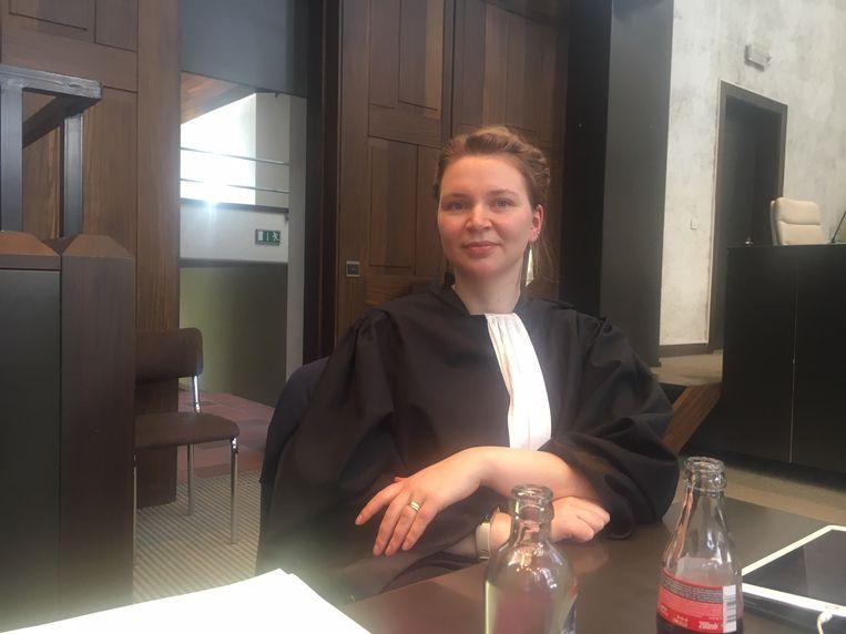 Advocate Tabita Latruwe, die samen met advocaat Hans Beerlandt verdachte Kenneth Samaille verdedigt voor het hof van assisen