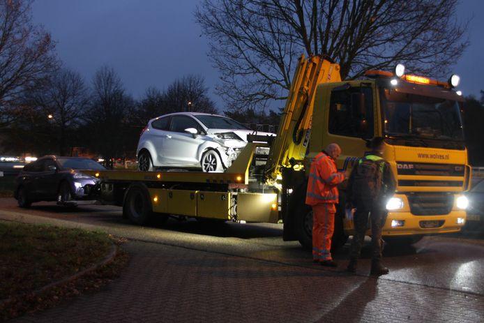 Meerdere ongevallen op de A1 bij Bathmen. Twee auto's moesten door een bergingsbedrijf worden afgesleept.
