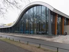 Zwembad is leeg maar renovatie Twentebad in Hengelo gaat gewoon door