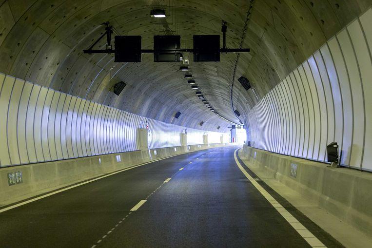 De Sluiskiltunnel, de tunnel onder het kanaal van Gent naar Terneuzen.