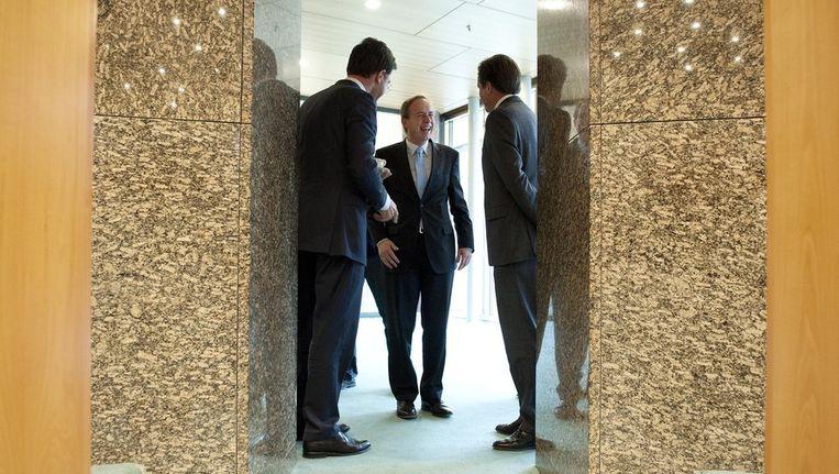 Premier Mark Rutte, SGP-leider Kees van der Staaij en D66-voorzitter Alexander Pechtold vorige maand tijdens het vragenuurtje in de Tweede Kamer in Den Haag. Beeld ANP
