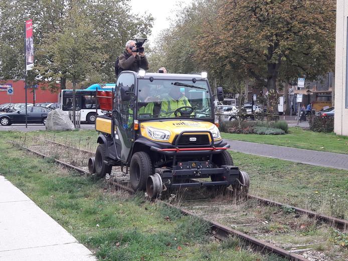 De door de VIEV opgerichte Nijmeegsche Spoorweg Maatschappij heeft op het baanvak vorige week nog een test gedaan met een  geleende lorrie. Om te laten zien dat de spoorlijn er nog steeds ligt.