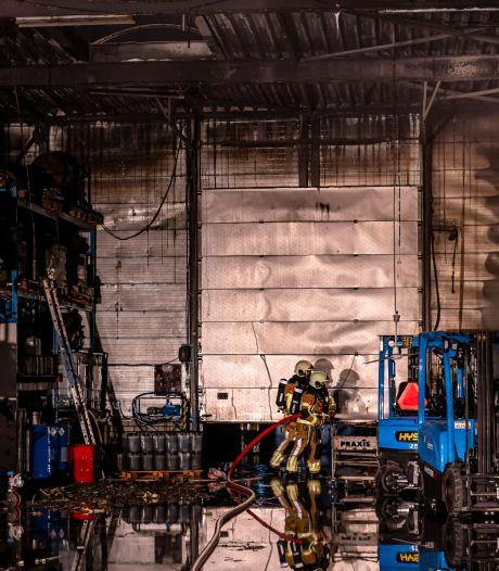 Brandweer handelt snel en blust brand op industrieterrein in Oosterhout