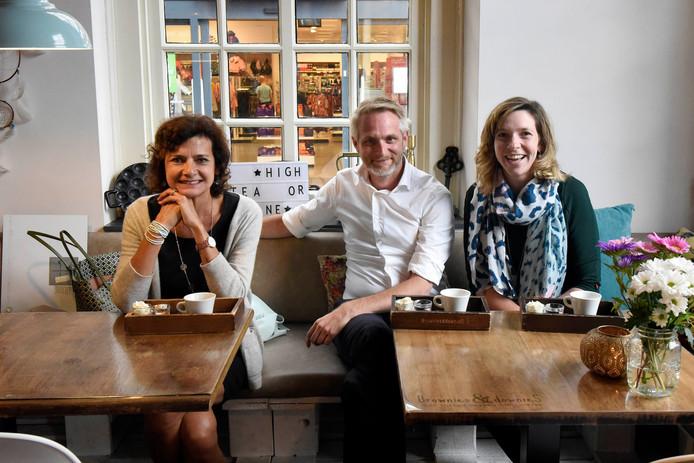Nanette Mostert, Junior Brandenburg en Marleen Strien van Beursvloer Woerden