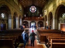 Weemoed en ontroering bij afscheid van Mariakerk Enschede