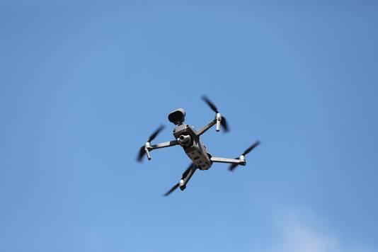 De politie heeft vanmiddag een drone ingezet.