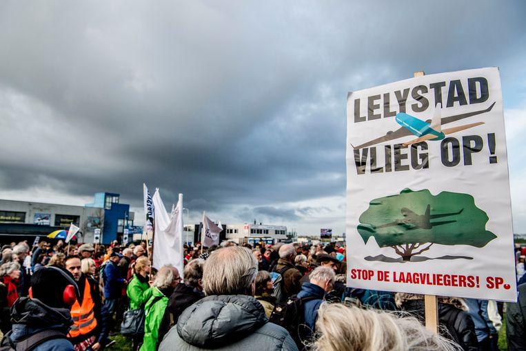 De uitbreiding van het vliegveld bij Lelystad stuit op veel protest. Beeld ANP