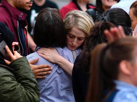 Minuut stilte in Cacaofabriek en De Effenaar voor slachtoffers concert Ariana Grande: 'We vinden het verschrikkelijk'