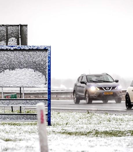 Zondag code oranje: overlast voor verkeer door sneeuwval in Brabant