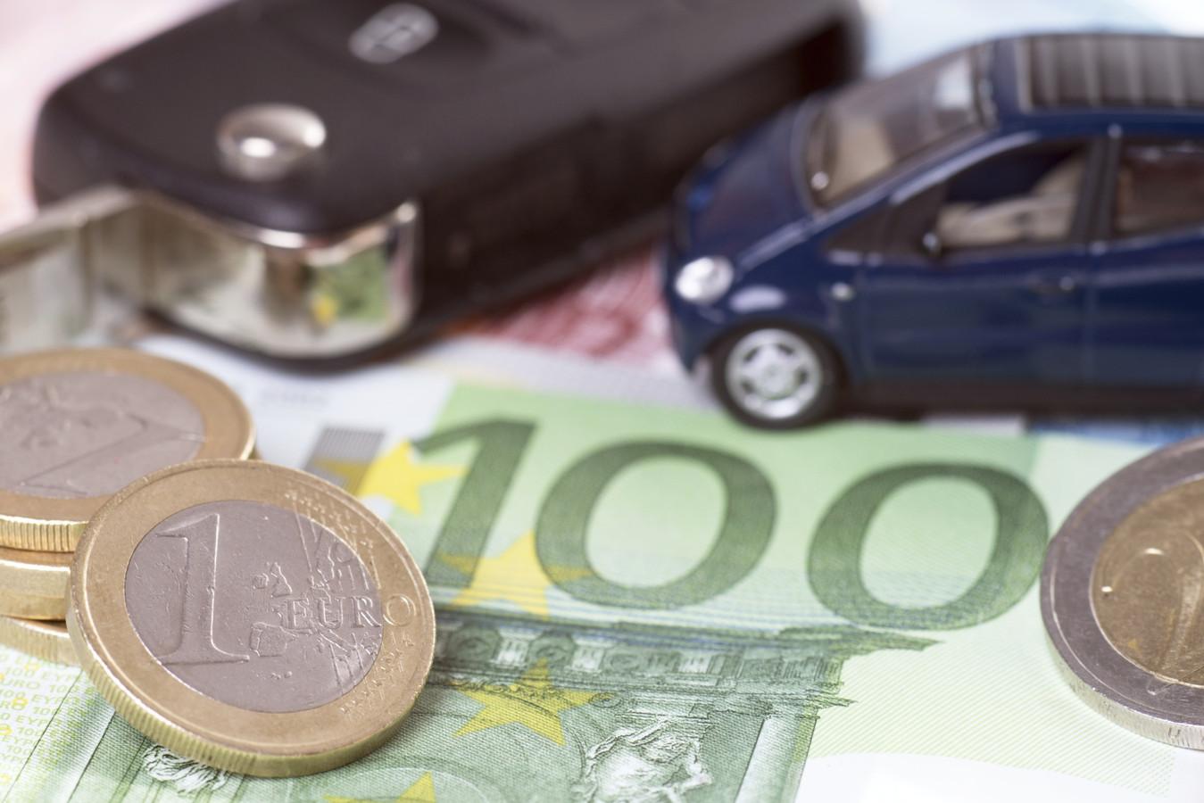 Vooral jongeren betalen torenhoge premies voor hun WA-autoverzekering.
