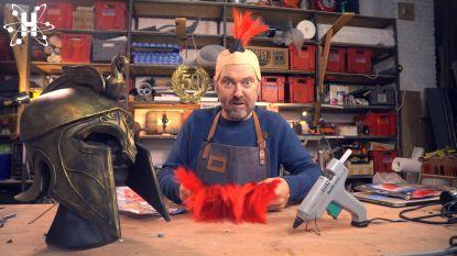 VIDEO. Henk Rijckaert toont hoe je zelf de Griekse helm uit 'Assassin's Creed Odyssey' maakt