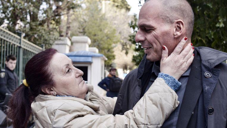 Yanis Varoufakis met een fan. Beeld getty