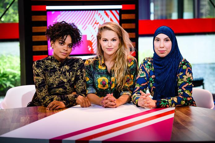 Dzifa Kusenuh, Sophie Frankenmolen en Samya Hafsaoui presenteerden Na Het Nieuws.