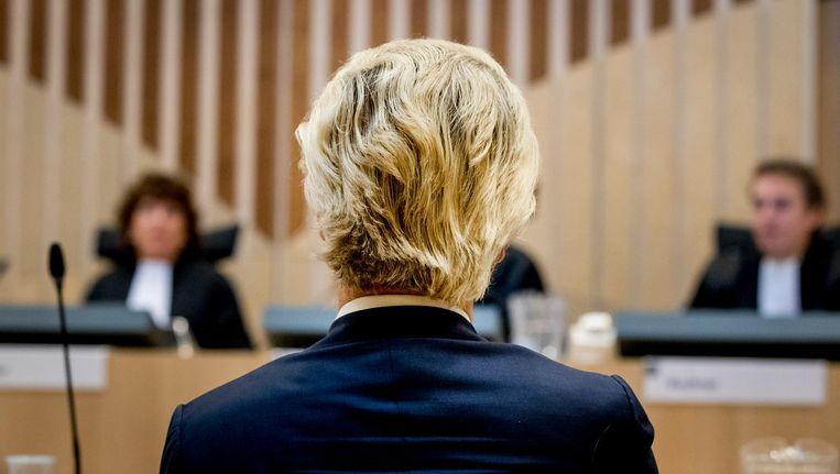Geert Wilders tijdens zijn strafzaak. Hij wordt vervolgd voor het aanzetten tot haat, discriminatie, belediging en uitlokking. Beeld anp