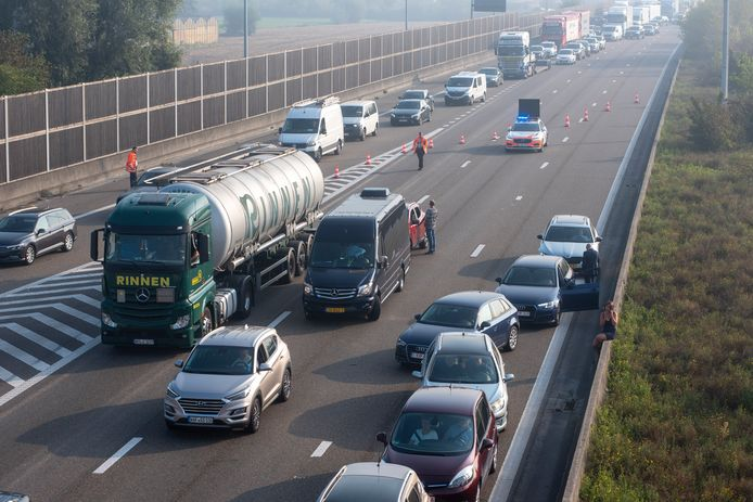Aan de afrit in Beervelde wordt alle verkeer van de E17 geleid.
