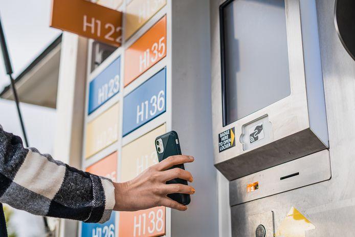 Je krijgt via mail een QR-code, om de locker met jouw pakketje in te kunnen openen.