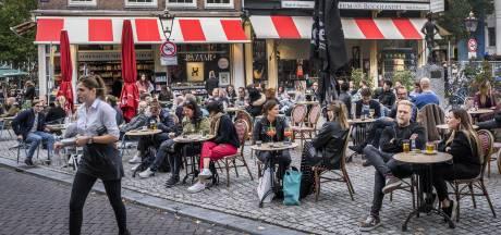 Voorzitter Veiligheidsberaad: mondkapjes en gezichtsmaskers in Amsterdam
