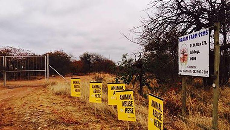 Protestborden aan de Braam farm.