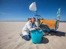 Bianca Tiegelaar hoopt op 1.000 euro om zwarte plastic bolletjes te lijf te gaan
