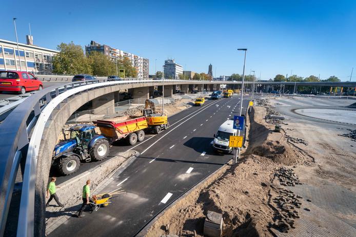 De herinrichting van het Roermondsplein in Arnhem is bijna klaar.