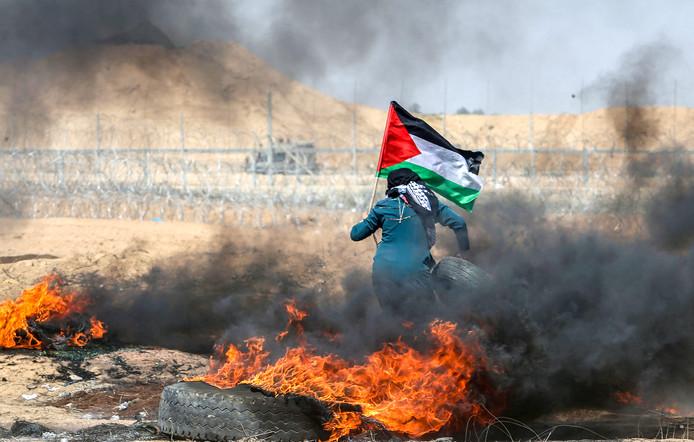 Protesten aan de grens tussen Israël en de Gazastrook. Foto Ibraheem Abu Mustafa