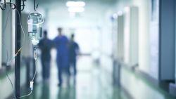 """Amerikaanse verpleger onthult tragische laatste woorden coronapatiënt: """"Wie gaat hiervoor betalen?"""""""