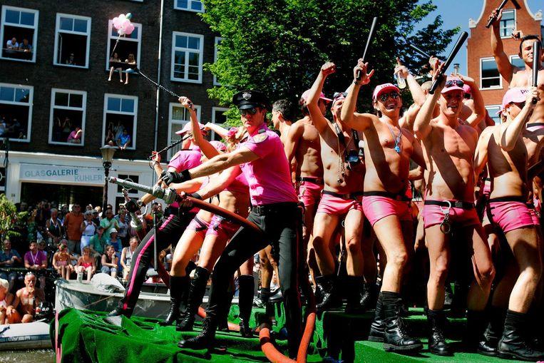 Er komen 16 extra handhavers tijdens de botenparade Beeld anp