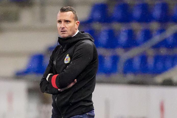 """Waasland-Beveren-trainer Nicky Hayen: """"Leye zal weer het nodige vuur in de ploeg van Standard brengen."""""""