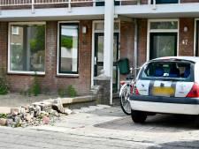 Dronken bestuurder rijdt muurtje omver in Sint-Willebrord
