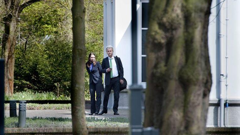 Fleur Agema en Geert Wilders verlaten het Catshuis. Gaat de breuk de PVV zetels kosten bij nieuwe verkiezingen? Beeld anp