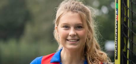 Talentvolle Almelose hockeyster Langejans (18) speelt al bij topclub SCHC: 'Moet mijn plekje gaan veroveren'
