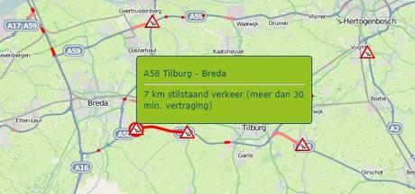 Ongeluk met 4 voertuigen op A58 bij Bavel; weg tussen Tilburg en Breda dicht