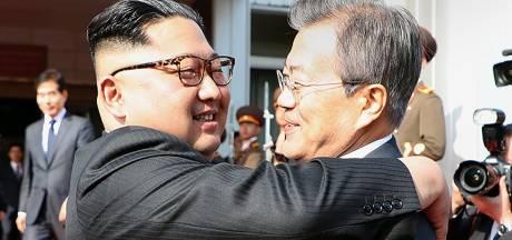 Noord- en Zuid-Korea vallen elkaar in de armen bij tweede vredesontmoeting