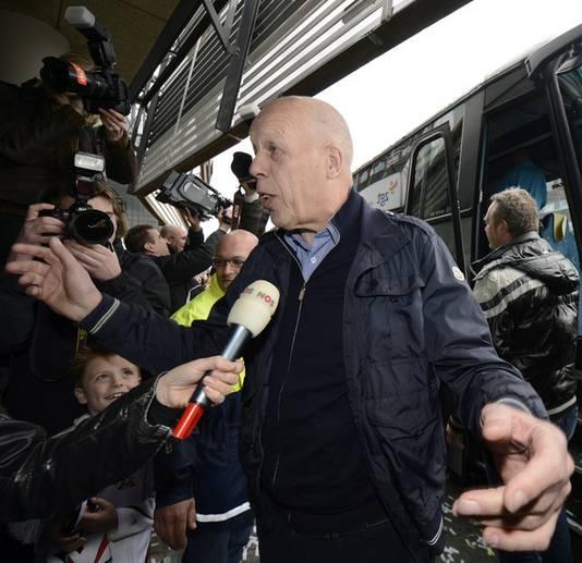 Heracles-voorzitter Jan Smit bij het vertrek naar Rotterdam.