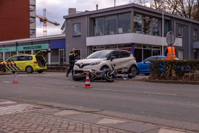 Ongeval motor en auto Amersfoort