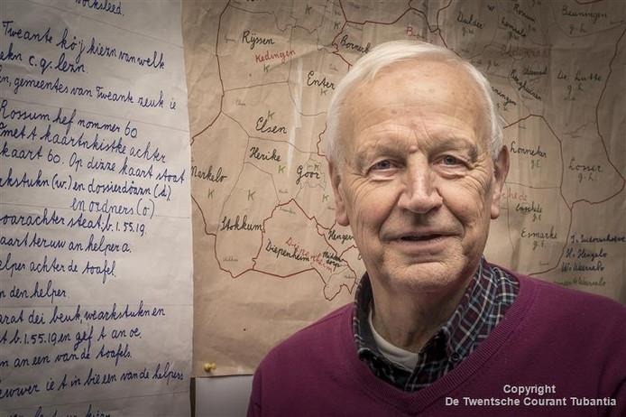 De serie voordrachten die hij afgelopen weekend in zijn geboortedorp Rossum gaf is het laatste kunstje van Hennie Engelbertink, een gedreven voorvechter van de Twentse streekcultuur.