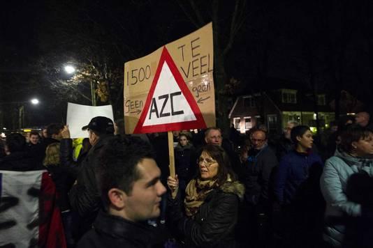 De politie voerde charges uit toen rellen uitbraken.