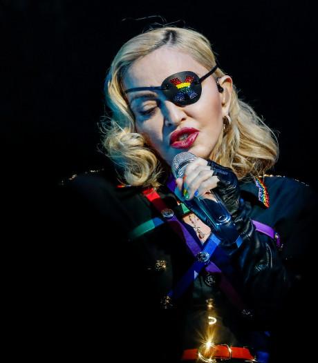 Le premier concert parisien de Madonna a commencé à minuit, soit avec 3h30 de retard