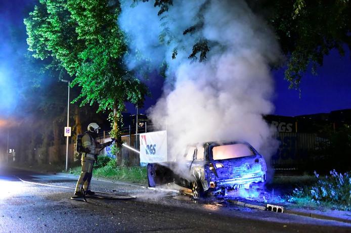 Aan de Burgemeester ter Pelkwijklaan brandde een Audi met Duits kenteken uit.