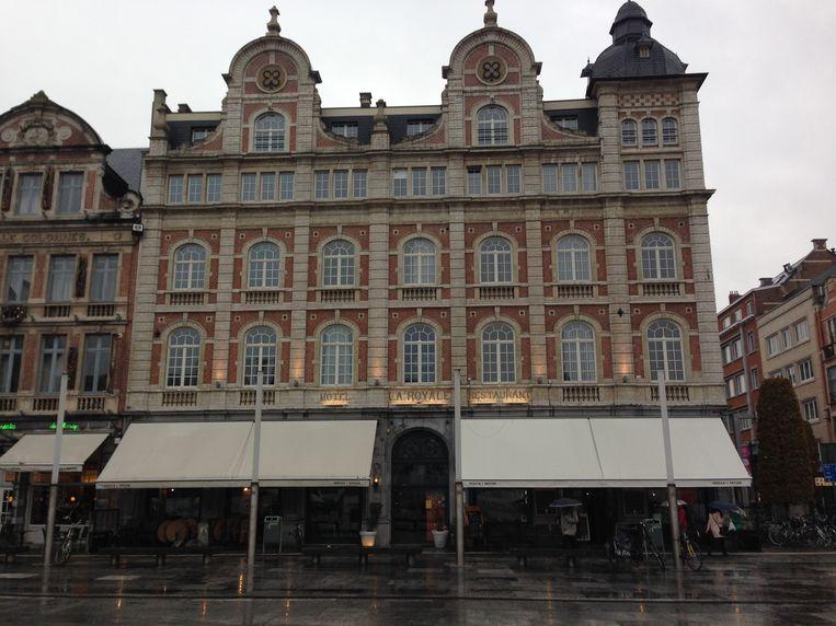 La Royale is een mooi gebouw met enige grandeur.