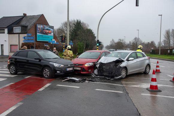 Op het kruispunt 't Strop gebeurde een ongeval omdat de lichten niet meer werkten na een stroompanne.