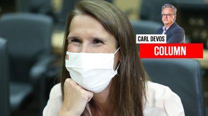 """Carl Devos: """"Begin nu eindelijk eens met die noodzakelijke hervormingen, in plaats van ze weer vooruit te schuiven"""""""