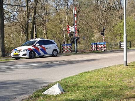 Politie haalt verwarde vrouw van het spoor in Ermelo: 'Gelukkig begon m'n hond te grommen'