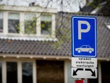 Kapelle werkt aan hoognodige laadcapaciteit elektrische auto's; In Zeeland valt er nog veel te winnen