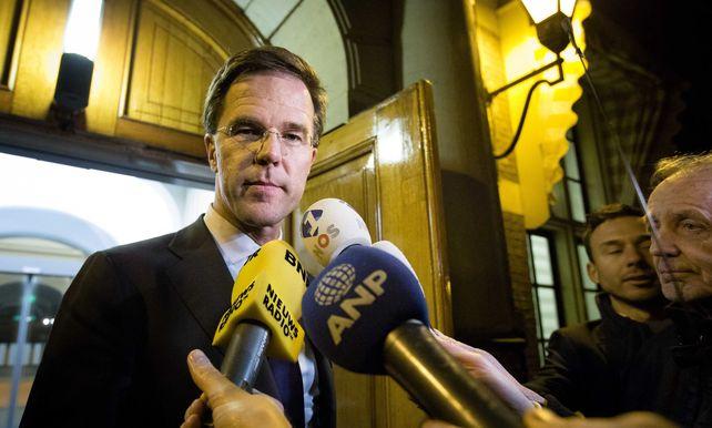 Nederlandse Regering In Crisis Om Opvang Asielzoekers