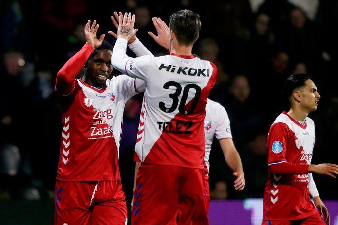 De enige geregeld scorende aanvaller van FC Utrecht dit seizoen is Gyrano Kerk (l).