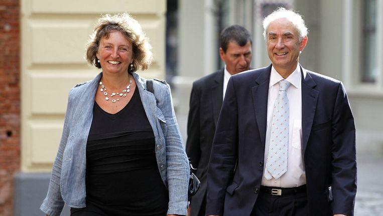 Gerd Leers (rechts) komt met minister van Binnenlandse Zaken Liesbeth Spies aan op het Binnenhof. Beeld anp