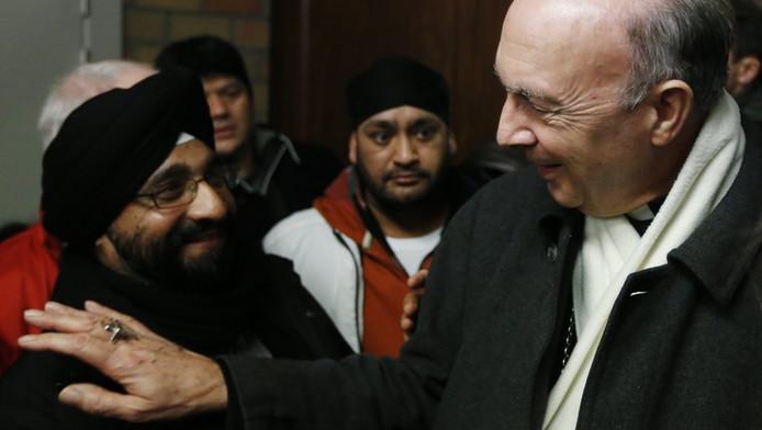 Mgr Léonard et quelques demandeurs d'asile afghans (Affligem, 11 janvier)