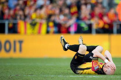 Waarom Anderlecht-speler Hanni máár geel kreeg voor een elleboog en andere lessen uit de telefoontaps