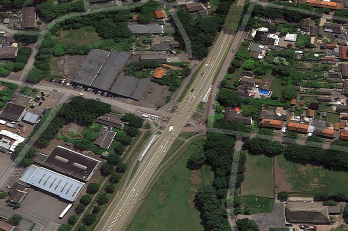 Kruising Steenbergseweg-Wouwseweg-Schoolstraat in Halsteren Foto Google Street maps